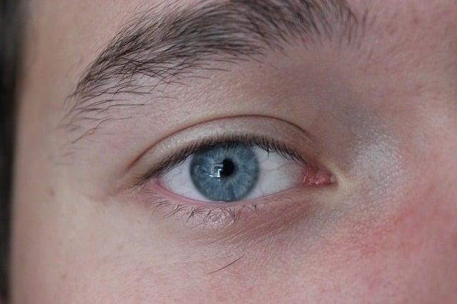 Ječné zrno v oku